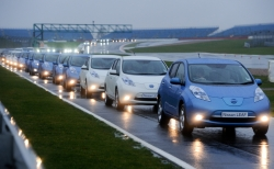 Nissan LEAF Drives into the Record BooksÉAgain